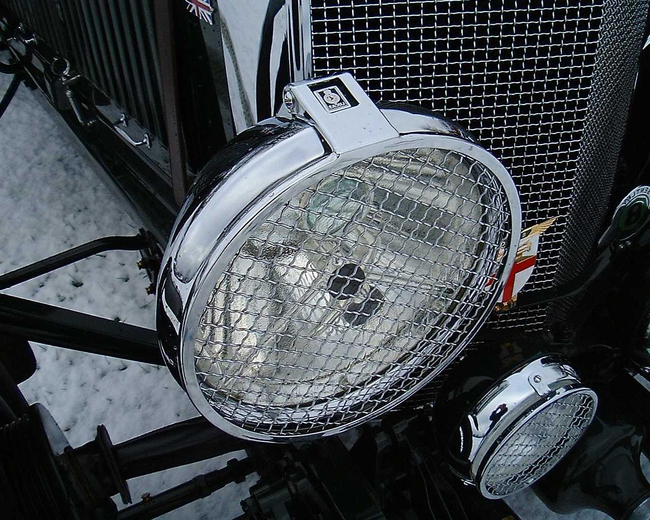 Classic Car headlight Chroming